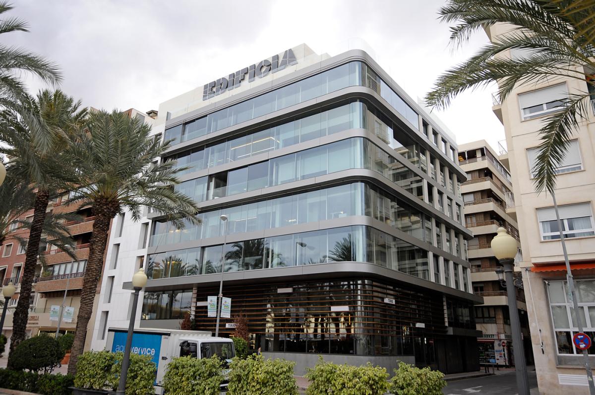 Deloitte estrena instalaciones en alicante en el edificio for Oficinas bankia alicante