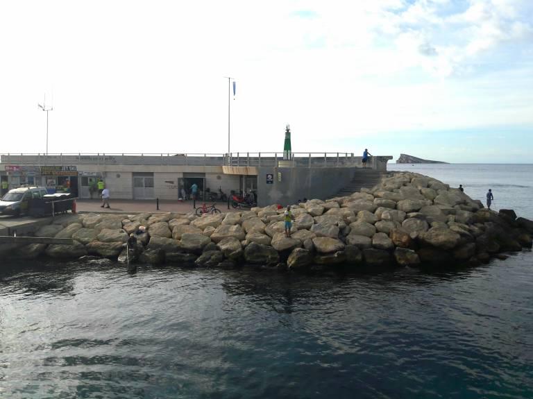 Detectives privados investigan el restaurante de la isla de benidorm que ser a ilegal desde - Restaurante el puerto benidorm ...