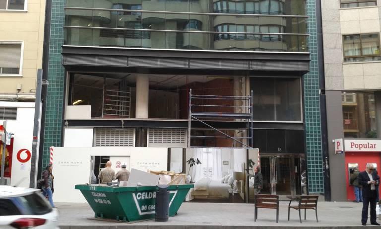 Las dos plantas del local comercial que ocupará la nueva tienda de Zara  Home 96fd563db86