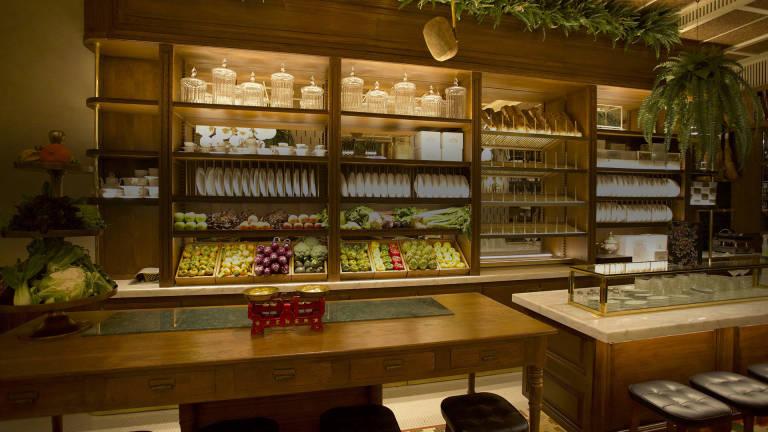 Grupo el portal estrena 39 manero 39 su segundo restaurante de tapas selectas alicanteplaza - Decorar un bar de tapas ...