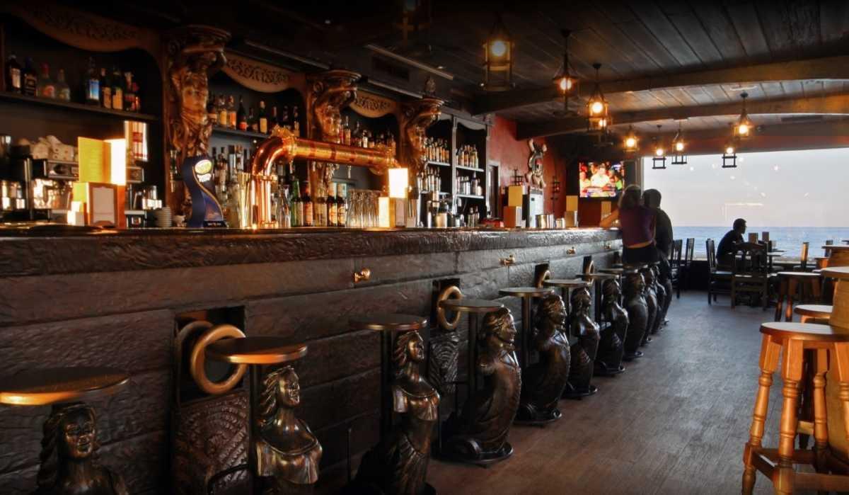 Las deudas con la seguridad social llevan a concurso al restaurante 39 pirata 39 de d nia - Restaurante el puerto benidorm ...