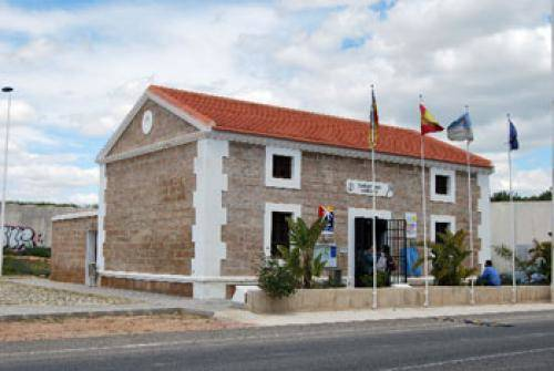El pp acusa al alcalde de torrevieja de montar un 39 show for Oficina de turismo alicante
