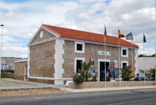 El pp acusa al alcalde de torrevieja de montar un 39 show for Oficina turismo torrevieja