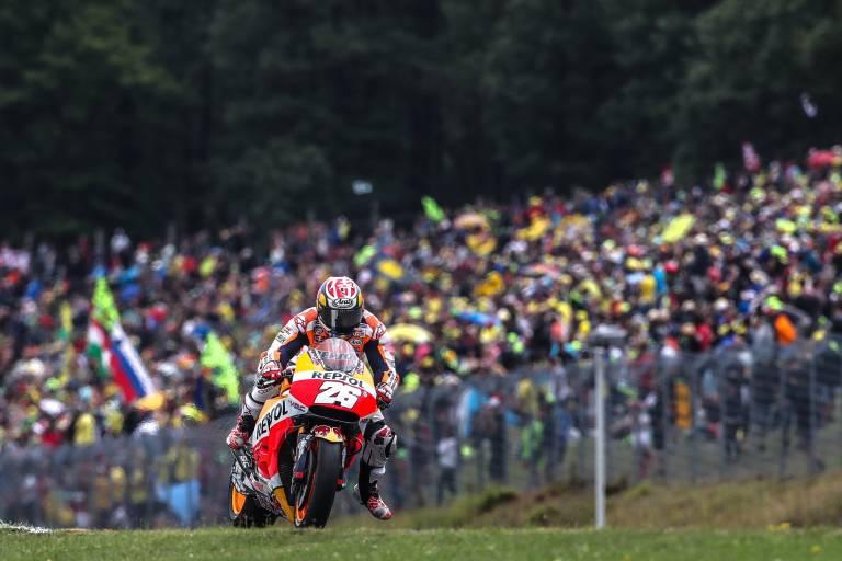 Pedrosa tres espa oles en el podio de motogp el mejor for Inmobiliaria pedrosa