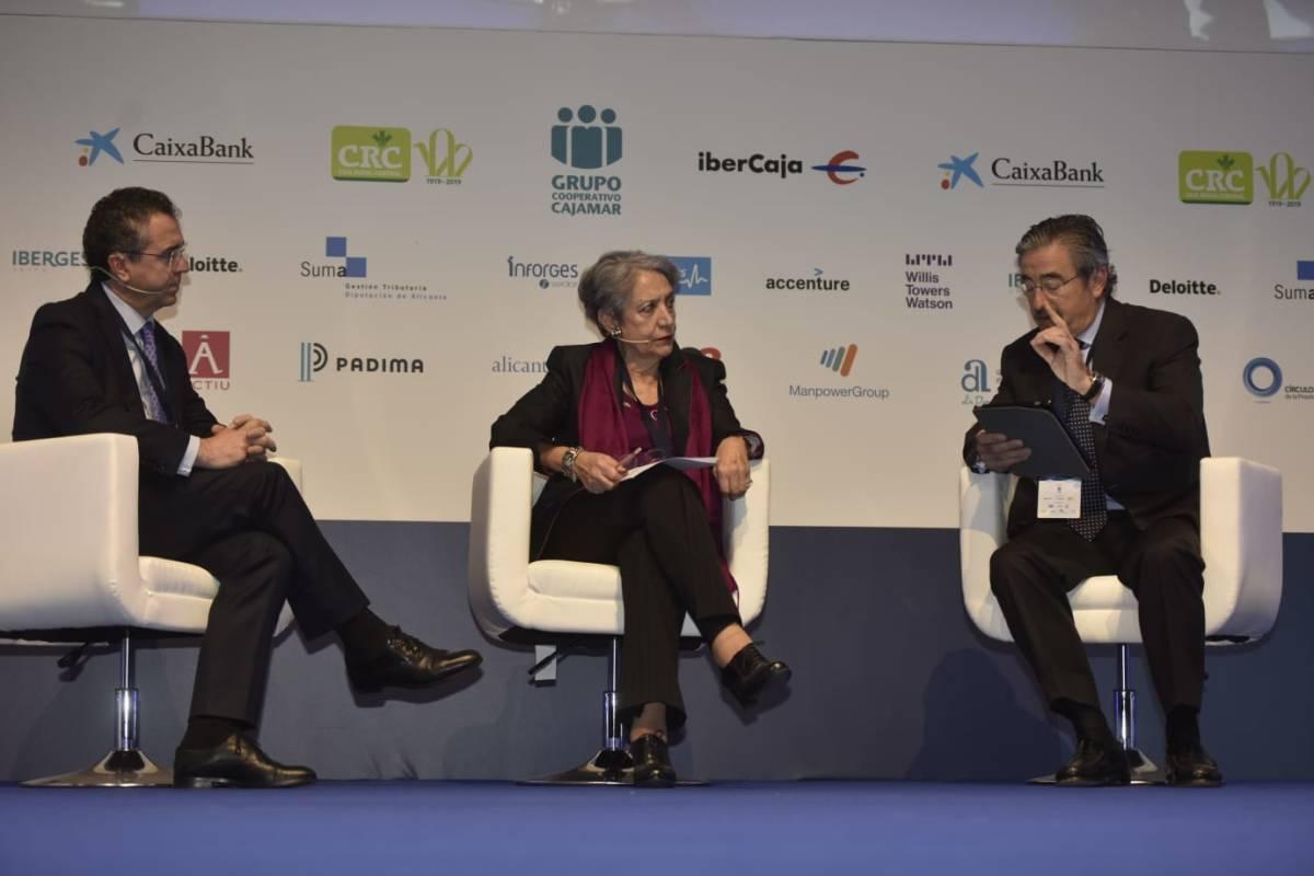 Eduardo Baamonde, Eva Levy y Kim Faura, en la mesa de debate