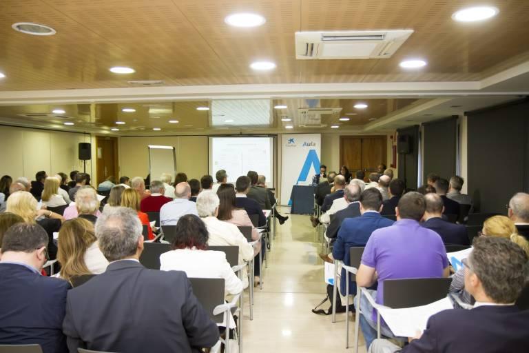 CaixaBank consolida sus programas de formación financiera para accionistas gracias a su apuesta por las nuevas tecnologías