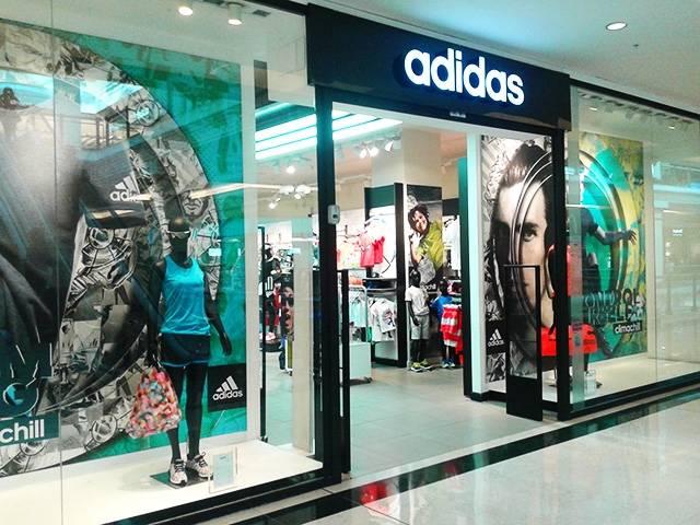 Minimizar Quejar paraguas  Adidas incluye Alicante en la lista de aperturas prioritarias tras romper  con Grupo Valadri - Alicanteplaza