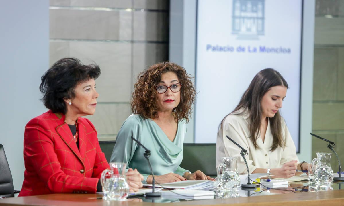 Las ministras Isabel Celaá, María Jesús Montero e Irene Montero. Foto: RICARDO RUBIO/EP