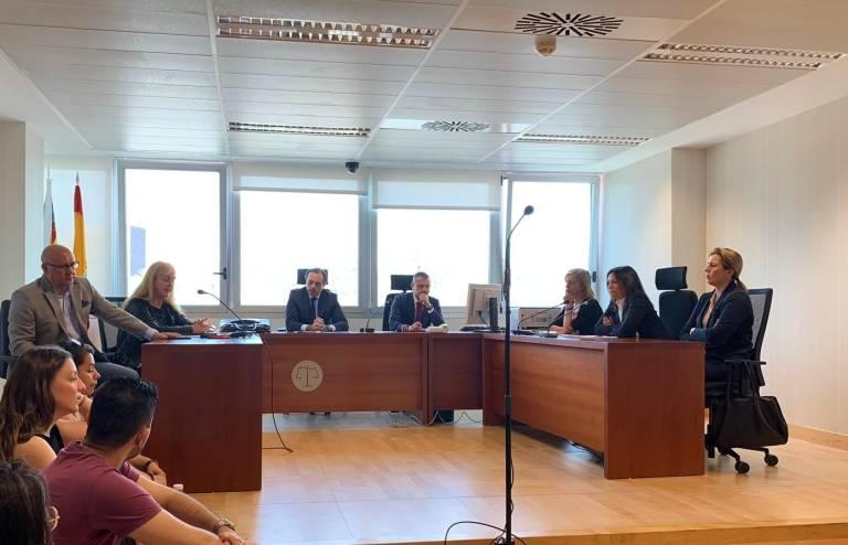 Los jueces de Mercantil suspenden tres meses las vistas y crean un formulario para pedir el concurso