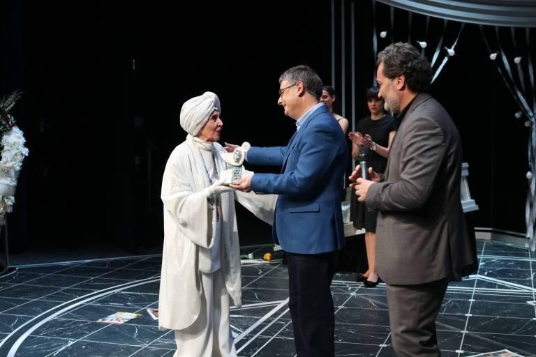 Ferrándiz y Sanguino durante la entrega del premio de honor a Concha Velasco, en 2018..